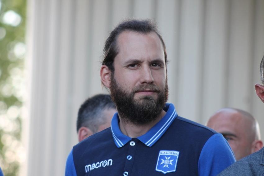 Le docteur Julien COLLE fera office de treizième homme expérimenté auprès de l'AJ Auxerre…