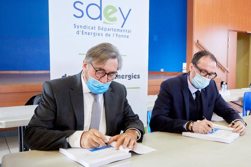 Transition énergétique : EDF, ENEDIS et le SDEY s'engagent dans un contrat de trente ans sous le sceau de la modernisation