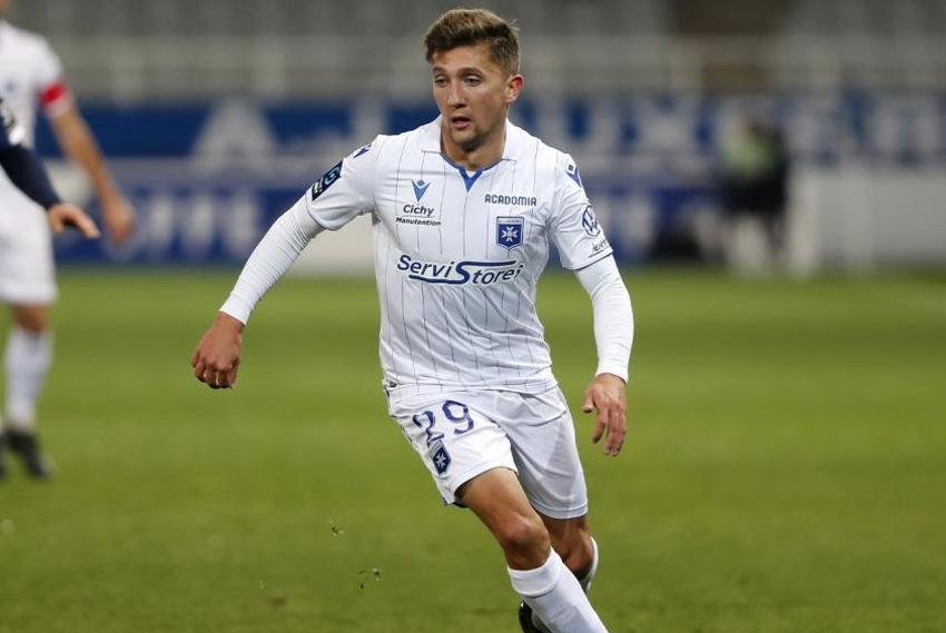 Mathias AUTRET homme de la situation : l'AJ Auxerre obtient un nul méritoire sur la pelouse du Paris FC