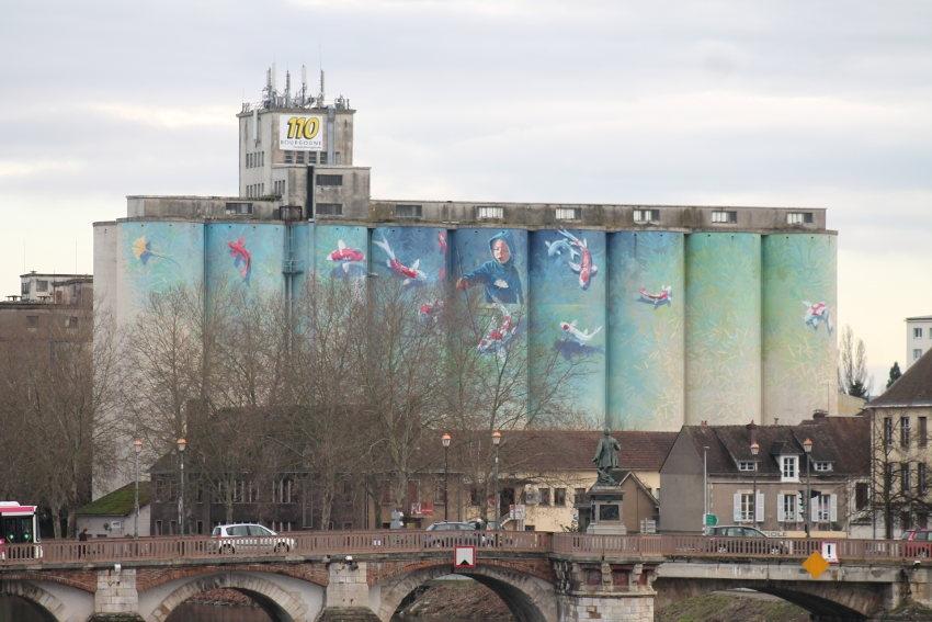 La fresque picturale du BATARDEAU, œuvre éphémère ? Les silos de 110 Bourgogne sont amenés à disparaître…