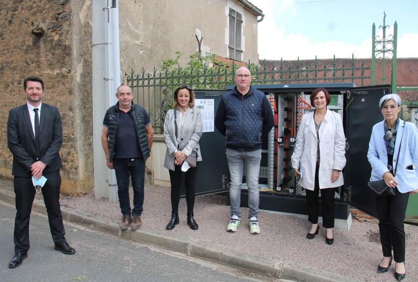 Il ne reste que cinq habitations à relier à la fibre : Bleigny-le-Carreau peut remercier ORANGE pour le déploiement