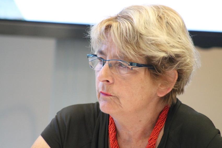 Ecole de CHAMPIGNELLES : Marie-Guite DUFAY, présidente de Région, déplore le manque de coordination…