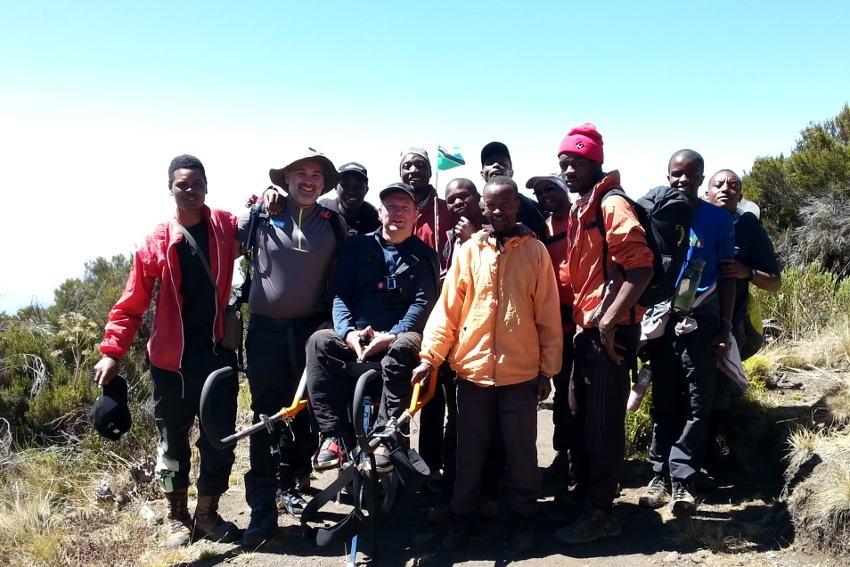 A 24 heures du sommet : l'incroyable défi de Yann JONDOT et Arnaud CHASSERY sur les pentes du Kilimandjaro !