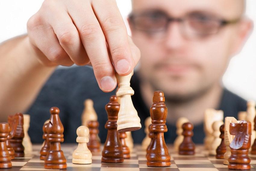 La stratégie demeure la clé de voûte dans l'exercice de tout pouvoir mais attention encore faut-il savoir l'appliquer…