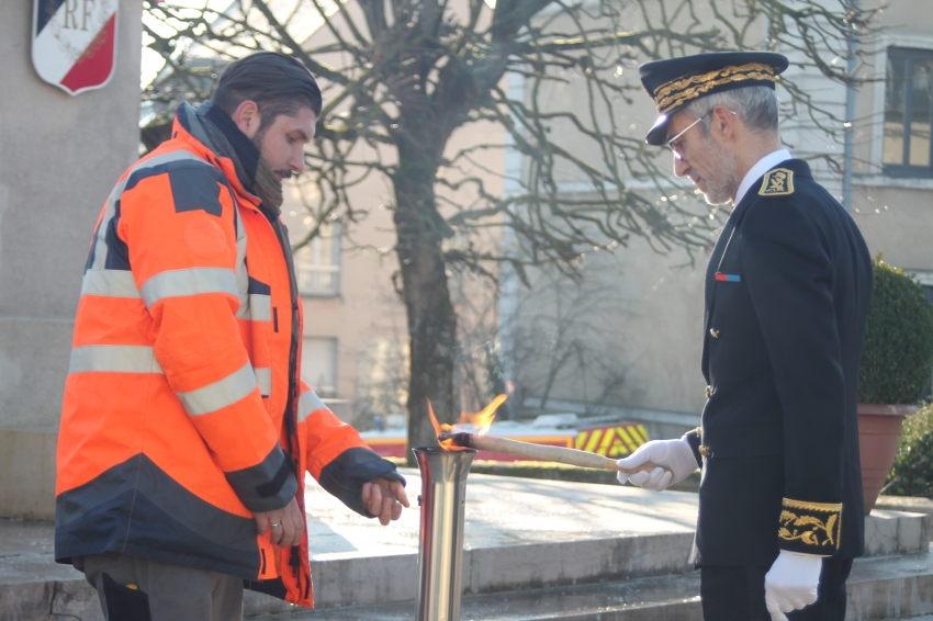 Prise de fonction du nouveau préfet de l'Yonne : Henri PREVOST accomplit son premier geste officiel…