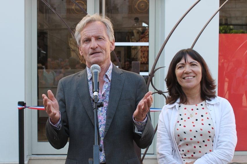 Le maire d'Auxerre inaugure la Micro-Folie : Guy FEREZ sublime la métamorphose de l'art au service du territoire…