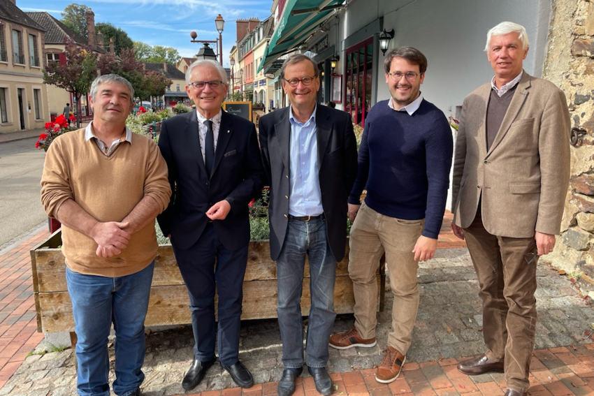 « C'est Emmanuel MACRON qu'il nous faut ! » : un premier comité de soutien en ordre de marche en Puisaye-Forterre