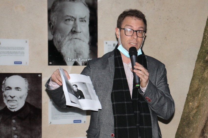 La plume de Jaurès et d'Hugo pour honorer l'enseignant : les organisations laïques pleurent Samuel PATY
