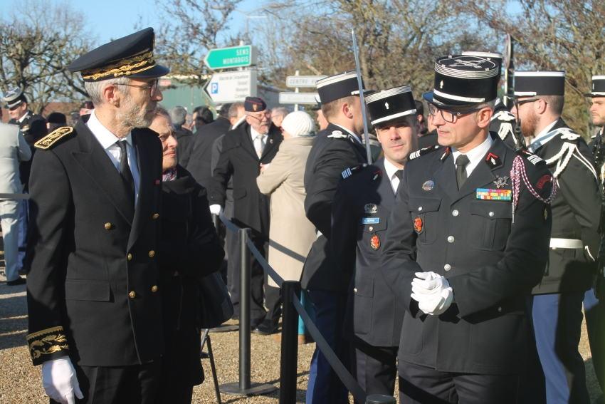 Le nouveau préfet échange avec le colonel du SDIS : les sapeurs-pompiers sont déjà à l'honneur…