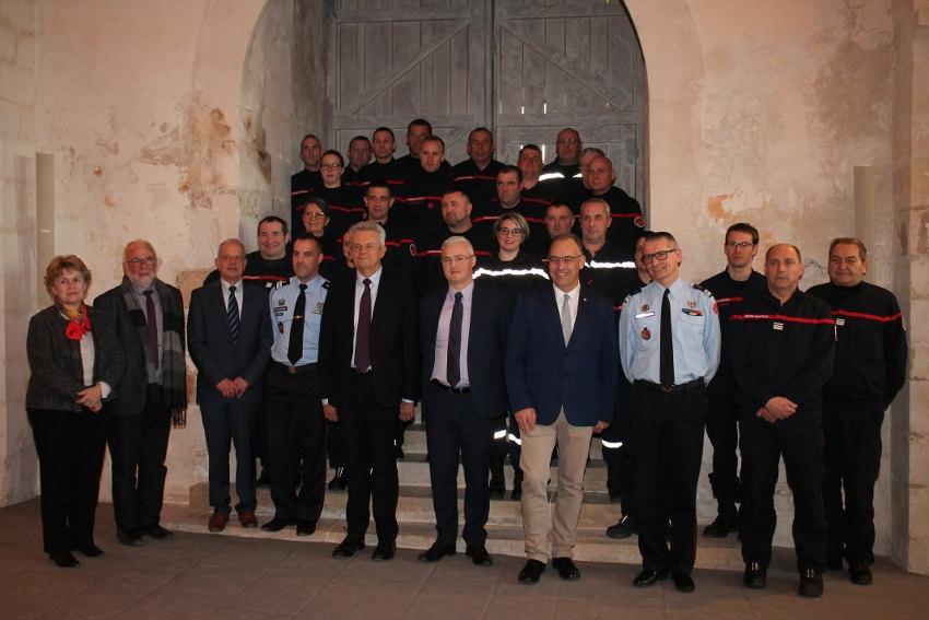 Vingt-cinq agents sapeurs-pompiers volontaires se voient octroyer du temps : le Département favorise l'altruisme…