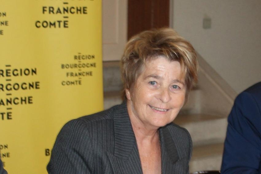 Sera-t-elle candidate aux Régionales ? Marie-Guite DUFAY laisse planer un faux suspens sur ses réelles intentions...
