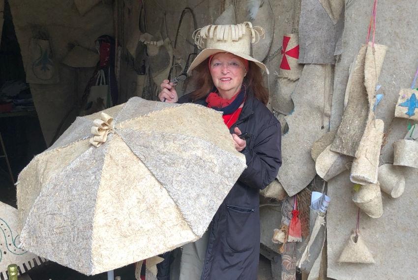 Le chanvre en mode artistique : Colette BECHET est de retour au Donjon comme l'hirondelle au printemps !