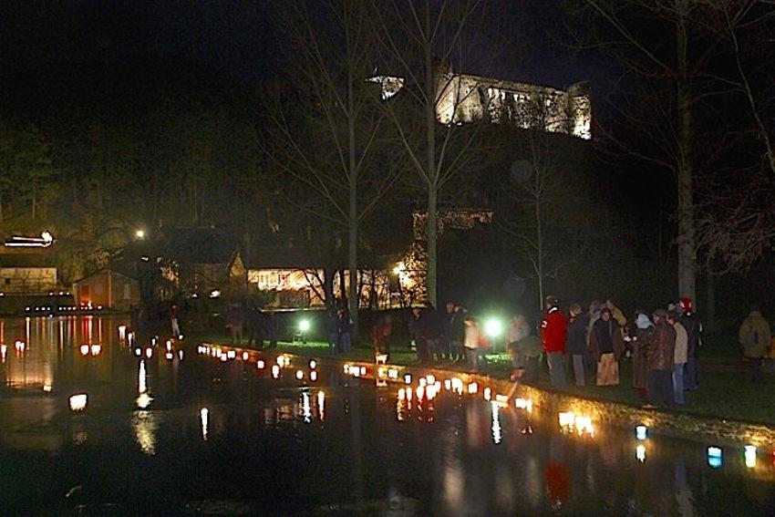 La féérie de Noël illumine le lac : Druyes célèbre œcuménisme, beauté et convivialité…