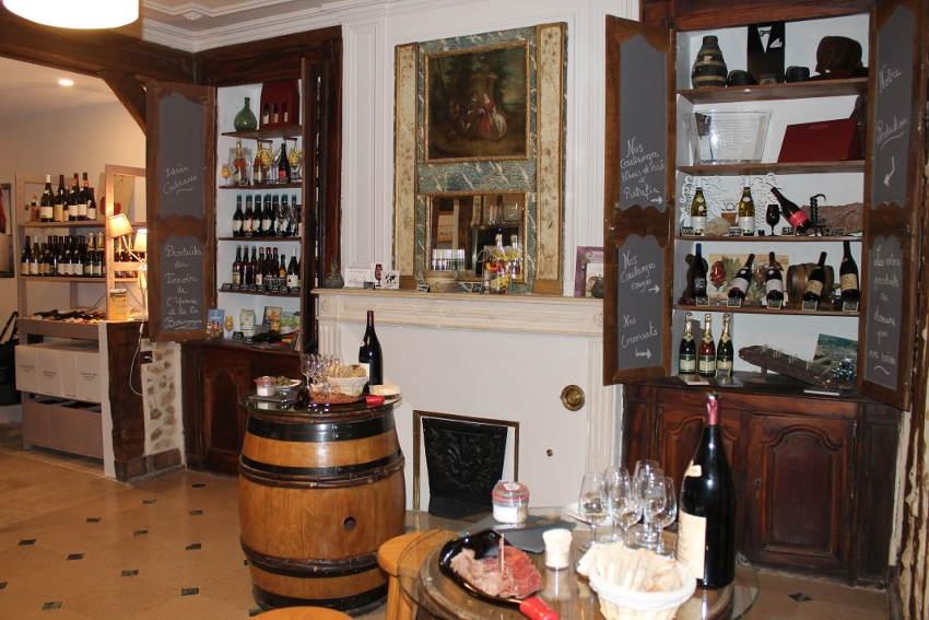 Le CLOS DU ROI développe de nouvelles activités grâce à un bar à vigneron