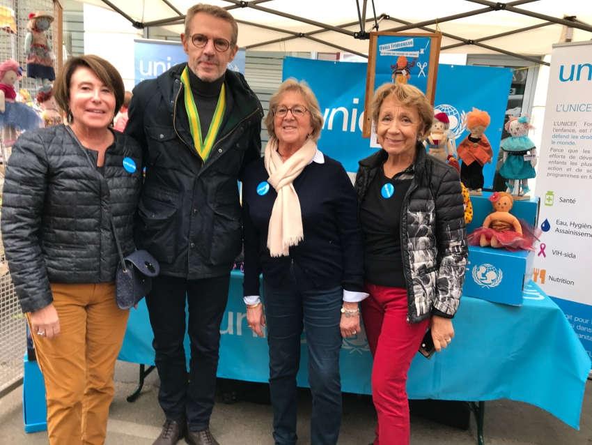 Divine surprise sur le marché : Lambert WILSON salue le travail altruiste de l'UNICEF Yonne…
