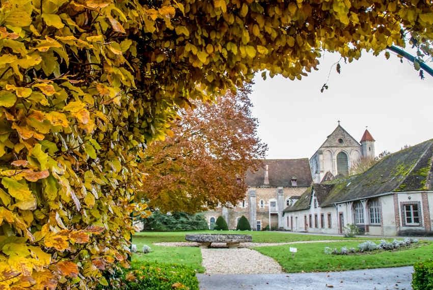 Abbaye de Pontigny : le Rassemblement National s'oppose toujours à la privatisation du domaine…