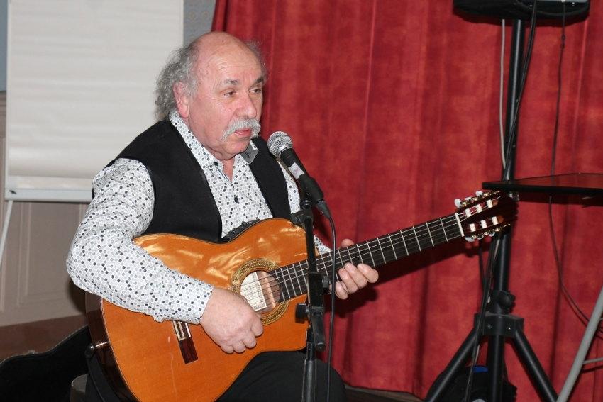 Gérard-André en live depuis La Closerie : un récital poétique et confiné comme si vous y étiez !