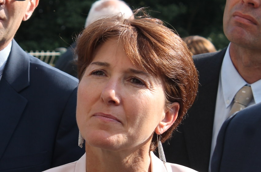 La députée reste dans la course des municipales : Michèle CROUZET divorce de la REM sans concession…