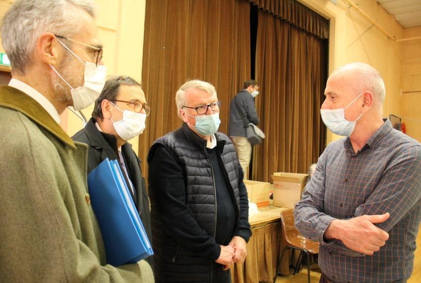 Le préfet visite le centre de vaccination de Toucy : rassurer au delà des injections...