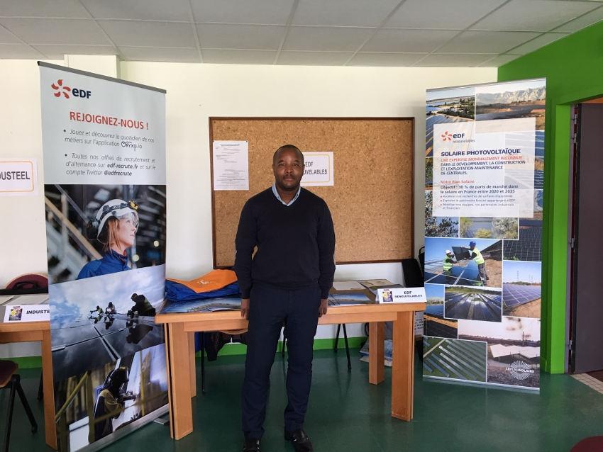 Les acteurs de la transition énergétique développent une formation autour du solaire unique en France à Montbard…