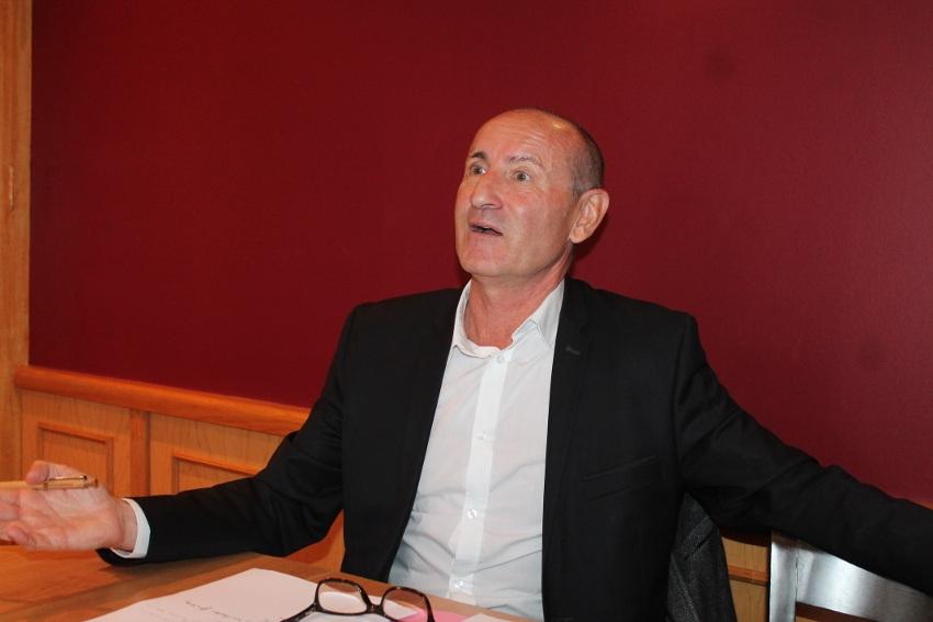 Pascal HENRIAT ne souhaite pas jouer les faire-valoir à Auxerre : le leader du MODEM se retire du jeu municipal…