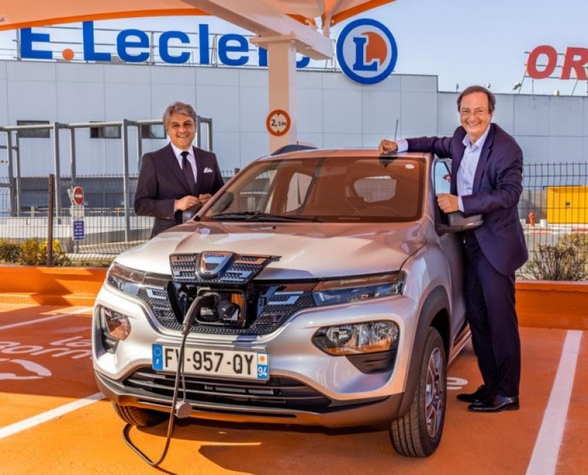 Rouler à l'électrique pour 5 euros par jour : LECLERC et RENAULT développent le partenariat locatif malin !