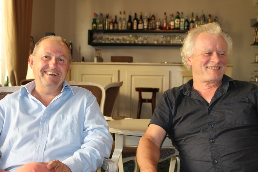 « Le grand âge et la joie » : Dominique COJAN et Jean-Eric FRAY chantres des rencontres entre les générations ?
