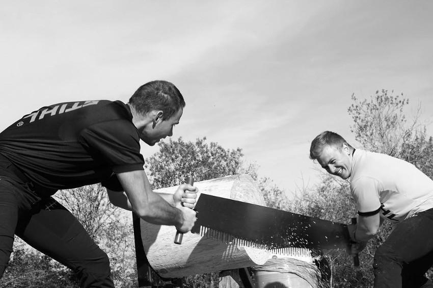 RABASKA reconduit son épreuve de bûcheronnage sportif : une histoire de « gros bras » et de rapidité…