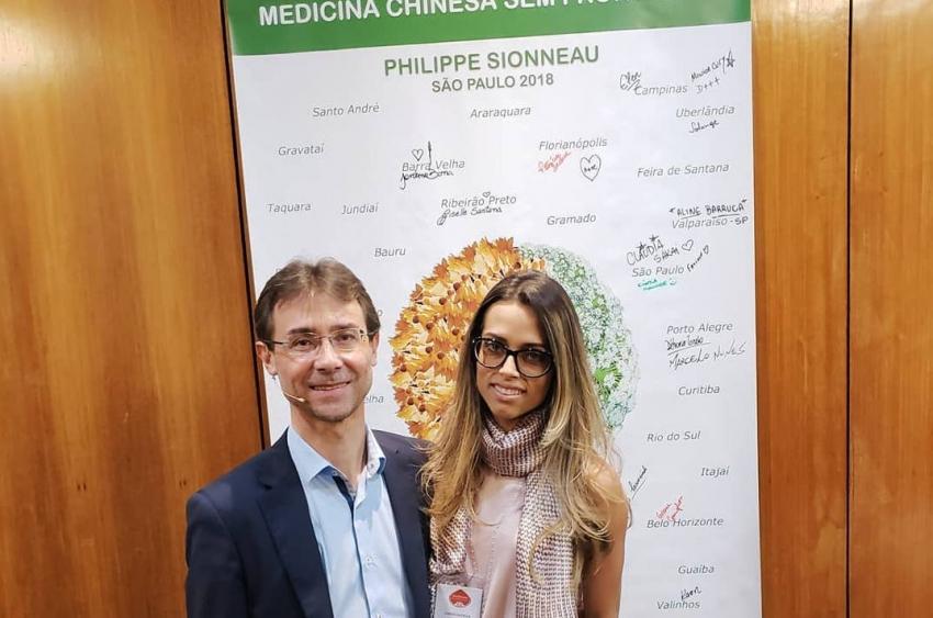 La pharmacopée chinoise n'a plus de secrets pour lui : Philippe SIONNEAU un soignant du corps et…de l'esprit ?