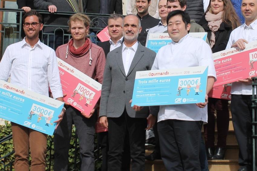 La solidarité au bout de la fourchette : quatre toques japonaises régalent généreusement les soignants…