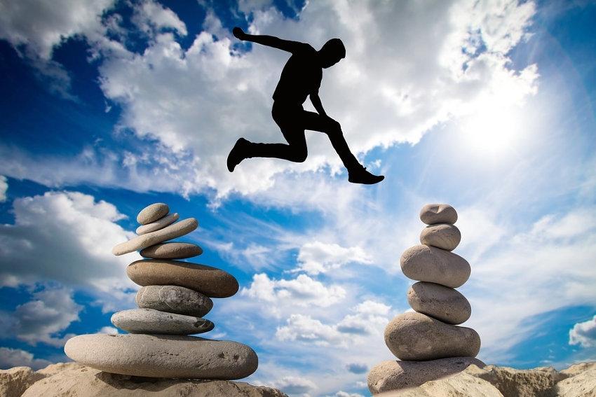 Oser dans son existence, c'est adopter la hardiesse, le courage et l'audace de faire quelque chose…