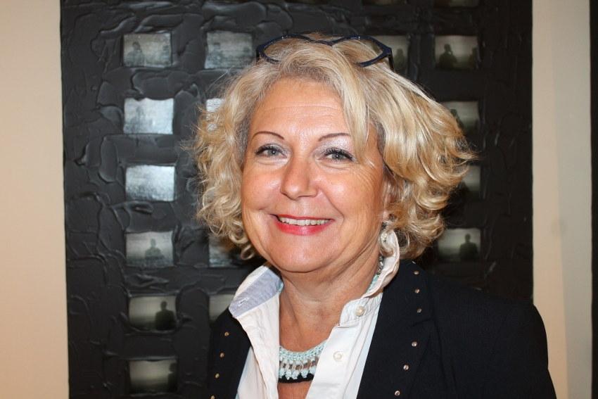 Dominique AGUILAR, conquise par l'éclectisme visuel de l'artiste Emmanuelle MICHAUX