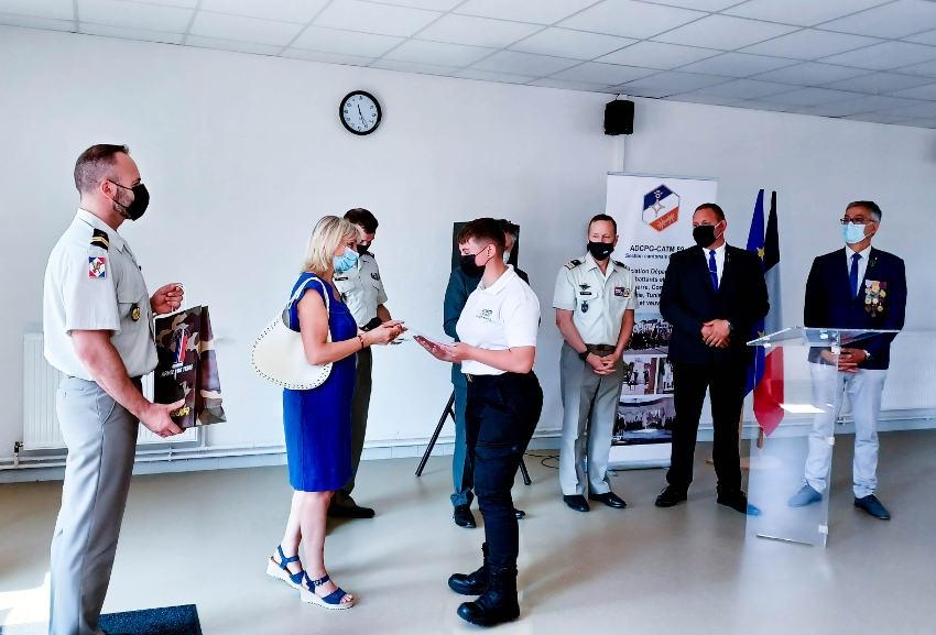 Entre devoir mémoriel et connaissances historiques : des lycéens de la Sécurité sont distingués par l'armée à Sens