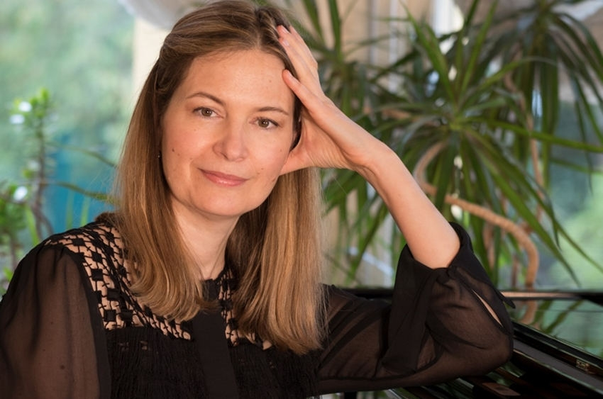 Ekaterina DENISSOVA-BRUGGEMAN revisite les perles du répertoire pianistique français pour une noble cause…