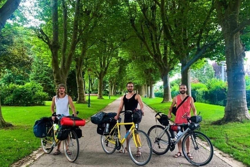 Un périple courageux attend trois jeunes de l'Yonne : rallier l'Espagne à vélo au service de Dame Nature…