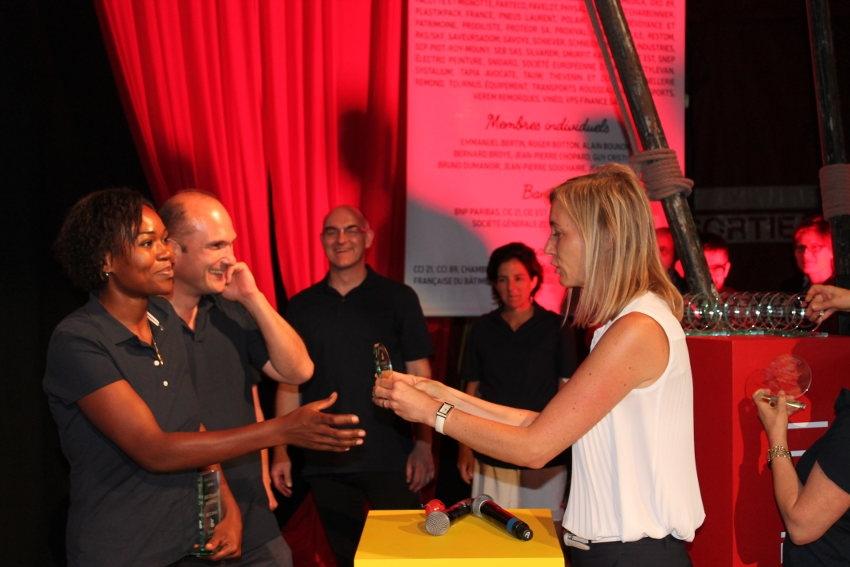 775974ae139 La dirigeante du Groupe BEL félicite les jeunes chefs d entreprise de  Bourgogne