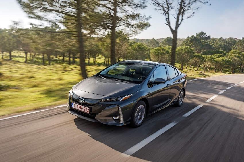 Grâce à ses modèles hybrides, TOYOTA enregistre les meilleurs résultats de son histoire en octobre