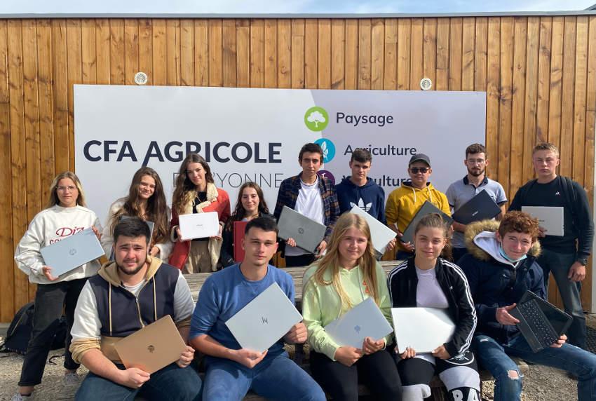 Initiative : des ordinateurs comme  vecteur d'émulation pédagogique au CFA agricole La Brosse