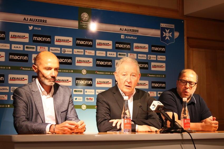 Le staff de l'AJ Auxerre effectue sa rentrée avec de sérieuses ambitions en perspective…