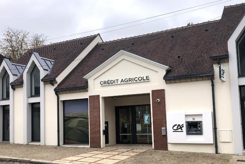 L'agence de Brienon fait peau neuve : le Crédit agricole ne change pas d'un iota sa politique de rénovation…