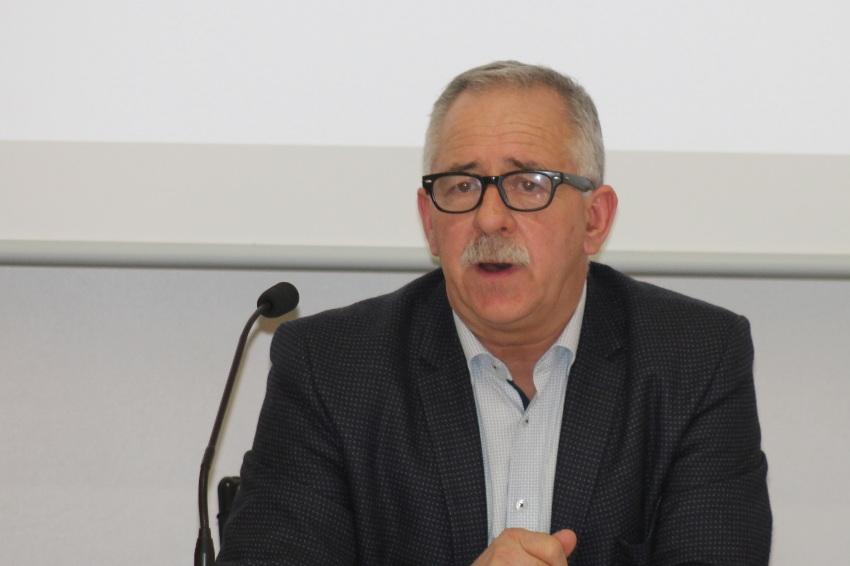 L'hôtellerie/restauration peine à recruter : André VILLIERS demande audience auprès du Premier ministre…